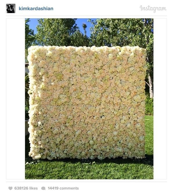 8fbc66c0-d9af-11e3-aaf7-852b005dcf86_kim-kardashian-mothers-day-wall-of-flowers